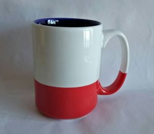 Bottle Red and Inner Dard Blue 15 Oz Ceramic & Coffee Mug pictures & photos