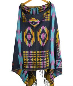 Knitted Poncho with Cap pictures & photos