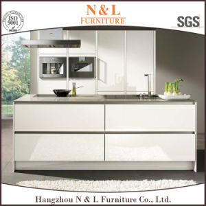 Island Style High Gloss MDF UV Kitchen Cabinet pictures & photos