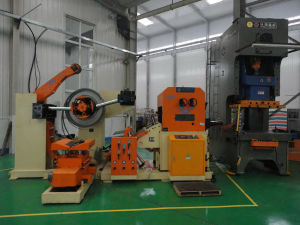 Hydraulic Decoiler with Coil Feeding Car pictures & photos