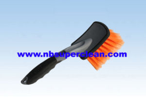 Plastic Car Cleaning Wheel Brush Tyre Brush (CN1823) pictures & photos