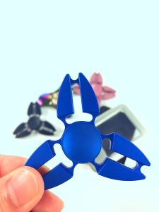 2017 Hot Sale Good Quality Alloy Metal Fidget Spinner pictures & photos