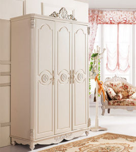 Bedroom Furniture White Wooden Europe Style Wardrobe Furniture pictures & photos