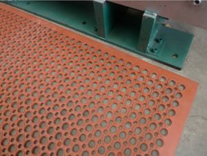 Anti-Slip Rubber Mat, Oil Resistant Rubber Mat, Acid Resistant Rubber Flooring pictures & photos