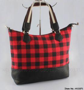 New Plaid Fashion Womens′ Polgester/PU Handbag pictures & photos