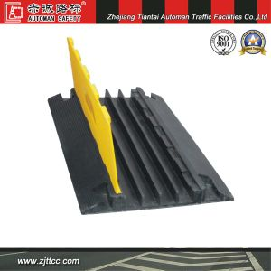 Reflective 4 Channels Cables Safety Protection Industrial Rubber Humps (CC-B19) pictures & photos