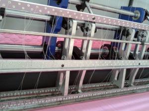 High Speed Computer Shuttle Quilt Machine pictures & photos