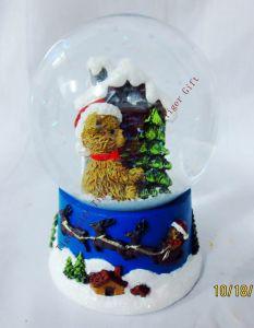 Polyresin Christmas Snowglobe 80mm Tg2262