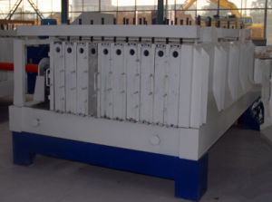 Molding Machine for Making Sandwich Wall Panel pictures & photos