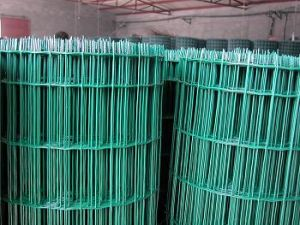 Low Price Wave Wire Mesh Fence5*5
