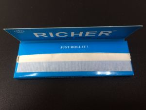Good Quality Smoking Rolling Paper in Classic Image pictures & photos