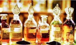 Perfume Liquid with Charming Smell pictures & photos