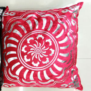 Metallic/Flock Printed Decorative Pillow Metallic Print Cushion (XPL-62) pictures & photos