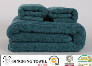 2016 Hot Sales 100% Organic Cotton Thick Jacquard Bath Towel with Satin Border Df-S285 pictures & photos