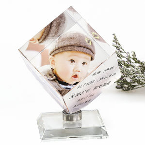 Crystal Glass Cube Block Souvenirs for Baby Birth pictures & photos