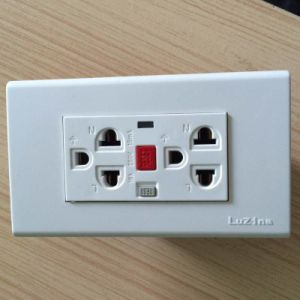 250V 16A Socket with 15mA GFCI pictures & photos