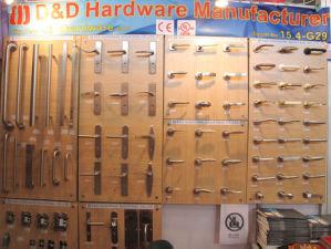 Ss 304 En1906 Popular Type Door Handle for Wooden Door pictures & photos