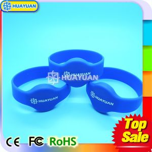 Classic Flexible Waterproof RFID Silicone Wristband pictures & photos