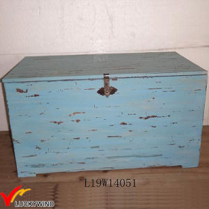 lidded large pretty wooden crate box table