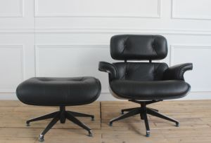 Wood Back Genuine Black Leather Leisure Lounge Chair with Ottoman pictures & photos
