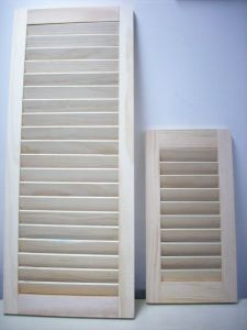 Wooden Louver Shutter Door (door louver) pictures & photos
