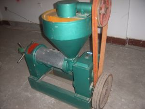 Small Oil Machine with 1 Ton/D Capacity (YZYX70) pictures & photos