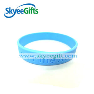 Stylish Debossed Memorial Silicone Wristbands for Gift pictures & photos