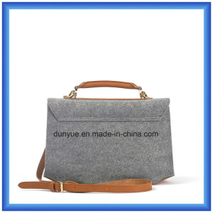 Young Design Customized Wool Felt Casual Messenger Bag, Hot Promotion Shopping Shoulder Bag with Adjustable PU Leather Belt pictures & photos