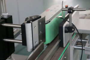 Ce Approved Automatic Round Bottle Labeling Machine pictures & photos