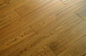 Factory Price Oak Wood Flooring pictures & photos