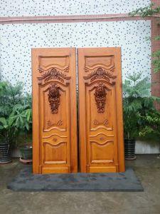 Fancy Wood Door Design Solid Teak Wood Luxury Main Door (XS1-025) pictures & photos