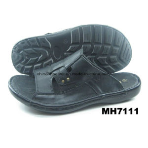 China Suede Leather Sandals Beach Shoes Sport Sandals pictures & photos