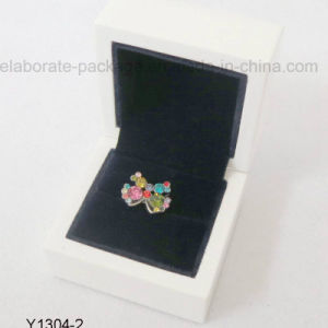 Classical White Shiny High Quality Wooden Jewelry Box Packaging Box Wholesale pictures & photos