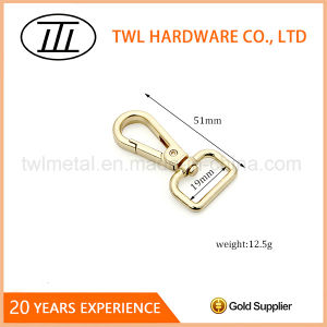 Light Gold Zinc Alloy Snap Hook for Bags pictures & photos