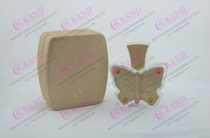 OEM/ODM Luxury Glass Perfume Bottle with Leather Cover pictures & photos