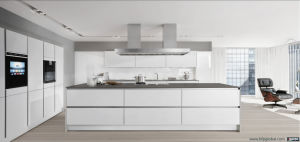 Modular White Lacquer Cucine Island Electronic Pantry Cabinet pictures & photos