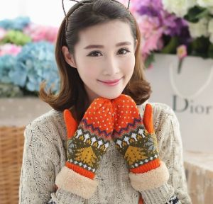 2016 Winter Ladies′ Double Layer Knit Gloves with Christmas Tree Pattern pictures & photos