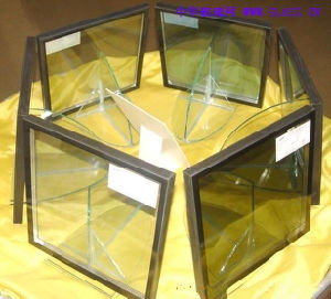Hot Sale High Quality Float Glass/Insulated Glass (JINBO) pictures & photos