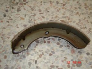 Brake Shoes (K4434) for Isuzu pictures & photos
