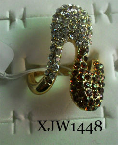 Diamond Ring/Fashion Ring/Ring Jewelry (XJW1448) pictures & photos