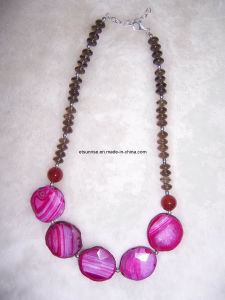 Semi Precious Stone Fashion Gemstone Crystal Necklace (ESB01375) pictures & photos