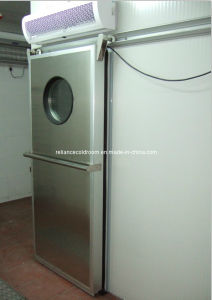 Cold Room Sliding Door with Round Window pictures & photos