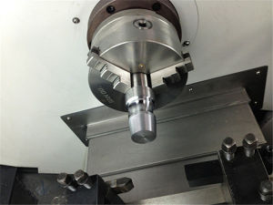 Hydraulic Chuck Live Tool CNC Turning Lathe with C Axis pictures & photos