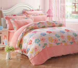 100% Polyester Flannal Fleece Soft Comfortable Bedding Set with Cotton Fabric Decoration pictures & photos