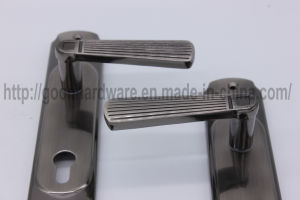 Aluminum Handle on Iron Plate 101 pictures & photos