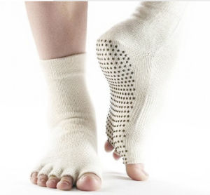 Fashion Toe Cotton Yoga Socks/Cotton Socks/Anti-Slip Socks pictures & photos