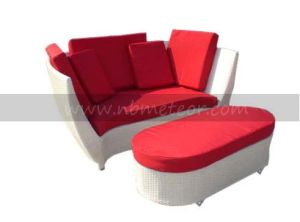 Mtc-202 Wicker Furniture Garden Sofa Daybed with Ottoman pictures & photos