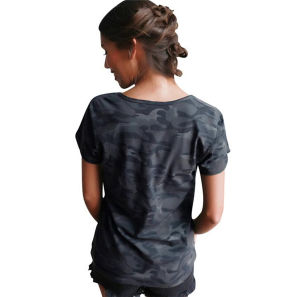 2017 New Designed Women Camouflage V-Neck Loose T-Shirts 100% Cotton (17005) pictures & photos