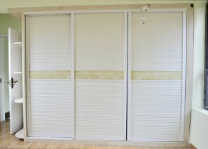Bedroom Furniture Melamine Wardorbe Yb16028 pictures & photos
