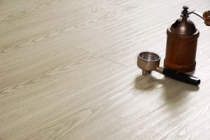 Best Price Laminate Flooring Made in China pictures & photos